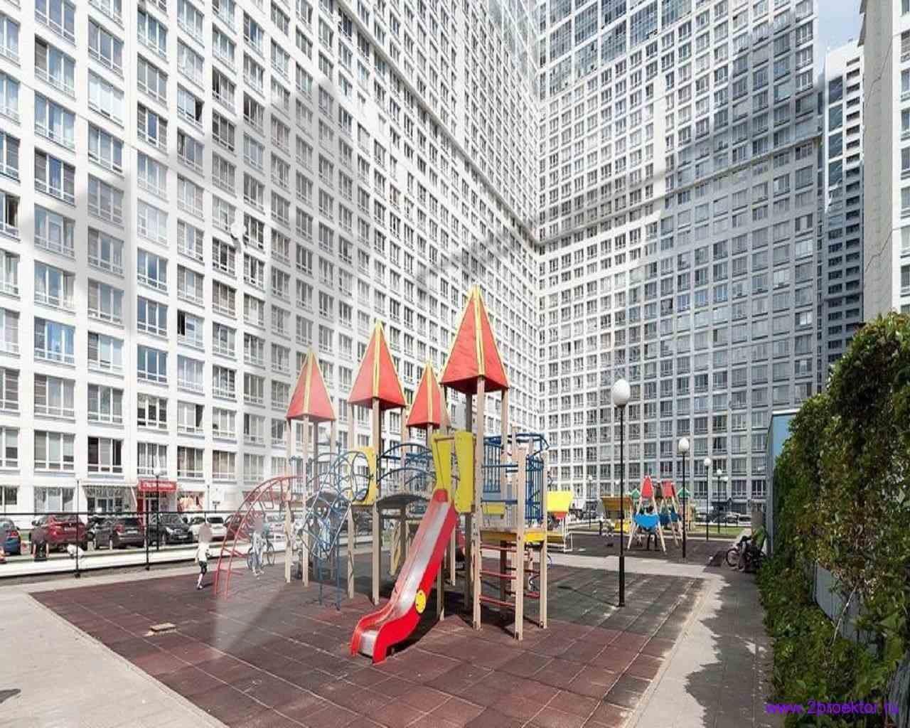 Детская площадка в Жилом комплексе Аэробус.