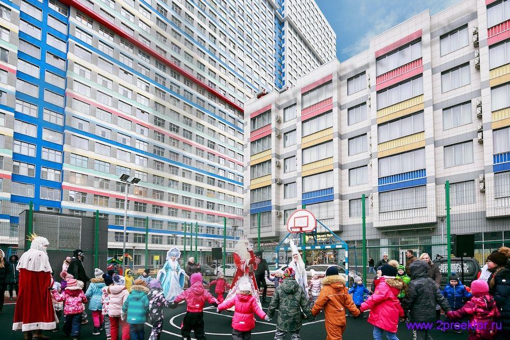Детская площадка в Жилом комплексе Триколор.