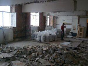 У россиян начали отбирать квартиры из-за незаконных перепланировок
